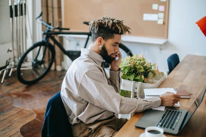 comment avoir une bonne posture au bureau